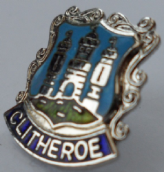Oldham Town Lancashire County Crest Small Pin Badge 1172